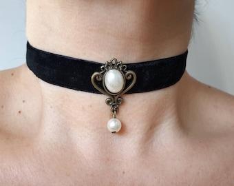 Choker Necklace, Velvet Black Choker, Gothic Choker, Black Choker, Black Choker Necklace, Romantic Choker, Black Necklace, Cameo Choker