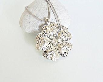 Vintage pendant, vintage necklace, vintage jewelry, flower pendant, flower necklace, boho pendant, large pendant, bohemian pendant, pendant