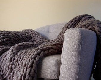 Knit Throw Blanket, Chunky Knit Blanket, Arm Knit Blanket, Throw Blanket, Vegan Blanket, Chunky Blanket, Giant Knit Blanket, Chunky Throw