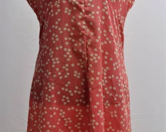 1960's pink polka dot shift dress in a UK vintage size 16.