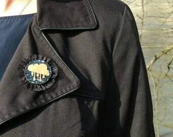 Retro cloud and rain Vintage cameo brooch
