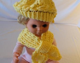 Crocheted hat with matching Steckschal