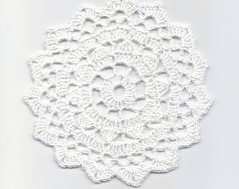 Mini Crochet Doily Lace Doilies Table decoration Crocheted Doily Centerpiece Handmade Wedding Doily Napkin Bohemian Decor Round White Flower