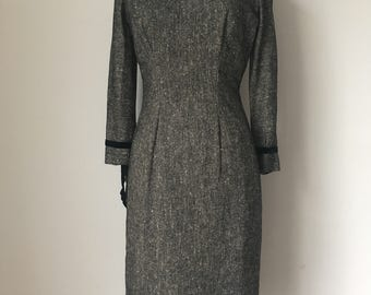 Stunning Genuine Vintage 1940s-1950s Tailored Black Wiggle Dress