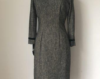 Stunning Genuine Vintage 1940s-1950s Tailored Black Wiggle Dress