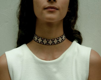 Adjustable huichol choker necklace