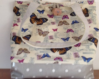 Shoulder bag. Butterfly  print with an oil cloth bottom