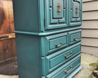 Sold**Seaworthy Vintage Gentleman's Chest (Knoxville, TN Area Pickup ONLY)