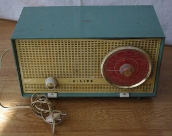 Radio tuner VINTAGE PHILLIPS model B2E03A 60 years running. Radio valves. Vintage radio. Old radio. Collectibles