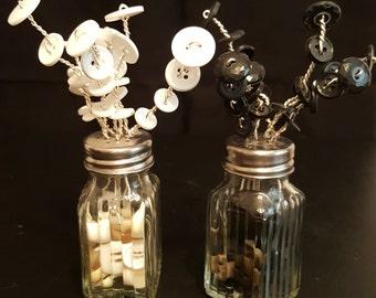 Button Bouquet Salt&Pepper Shaker Set