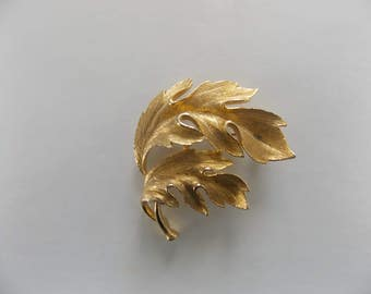 Lisner Brushed Gold Tone Leaf Brooch Pin