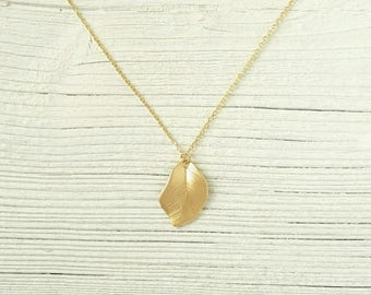 Leaf necklace, 16 K gold gold plated necklace, minimalist necklace for layering, gold necklace, leaf pendant, forest, dainty necklace