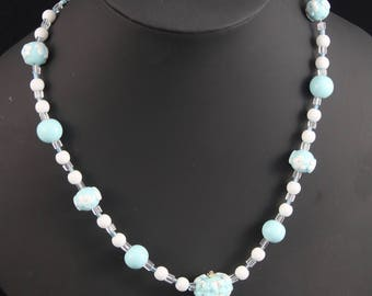 Blue beaded flower necklace