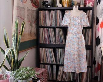 vintage 1970s dress . flutter sleeve capelet floral dress . watercolor floral dress . womens 1x 2x . 39 inch waist