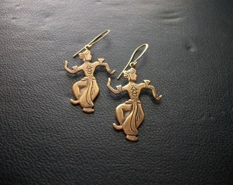 apsara - indonesian dancer siam siamese charm earrings - vintage 1940s kitsch jewelry