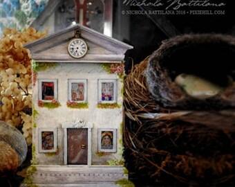 Alice's Altoid Tin Manor House