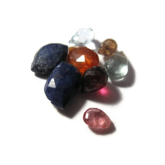 Briolette Grabs : Mixed Lot of 8 Gemstone Beads for Making Jewelry (B-Mix8d)