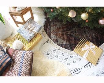 """Rug Print Velvet Tree Skirt, Boho Christmas Decor, Bohemian Decor, Fringe Christmas Tree Skirt, Printed Velvet Skirt, 39"""" Tree Skirt,"""