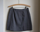 Vintage 90's Plaid High Waisted Gray Skirt // GRUNGE High Waist Mini Skirt -  29 inch Waist