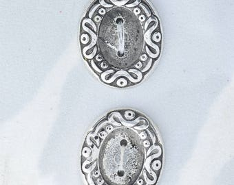Button set of 4 , 2 hole , Plated plastic , Antique silver finish , sold 4 each OB9507AS