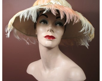 Vintage 1960s Tricolor Hat in Ivory, Wheat and Pink Feather