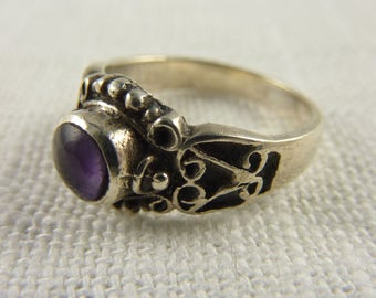 Vintage Size 5.5 Sterling and Amethyst Ring