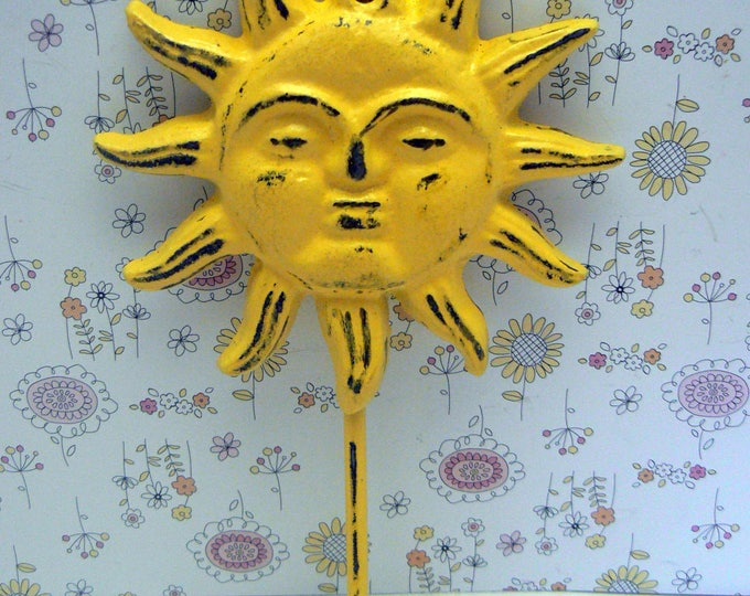 Sun Face Cast Iron Wall Hook Yellow Sunshine Shabby Chic Patio Porch Pool Home Decor