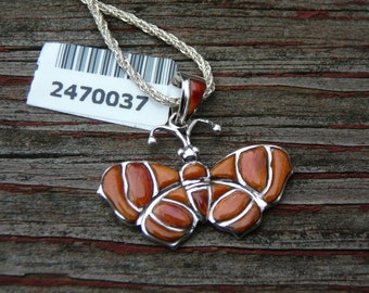 """Beautiful Unique Spiny Oyster Butterfly Pendant w/Sterling Silver 18"""" Chain"""