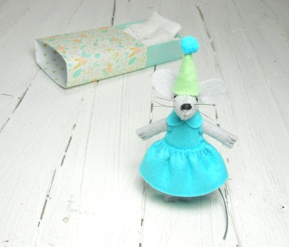 Felt animal felt mouse matchbox doll mouse in a matchbox gift for kids baby welcoming stuffed animal mouse miniature stuffed felt aquamarine