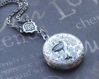 Mother's Day Locket, Hummingbird Necklace, Silver Round Locket, Locket Jewelry, Picture Locket, Mommy Jewelry, Wedding Necklace, Hummingbird