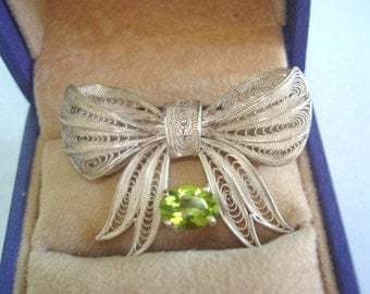 Peridot Stone Sterling Silver Filligree Bow  Brooch