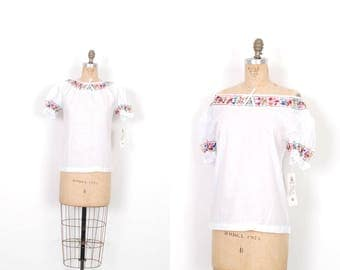Vintage 1970s Blouse / 70s Deadstock White Cotton Peasant Top / Embroidered ( small S )