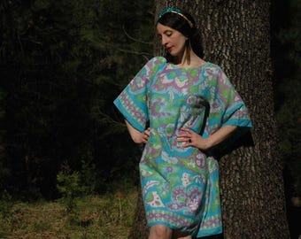 Size Large... 1960s Paisley Psychedelic Dress... Bell Sleeves... Pastel Colors... Spring Flower Babe