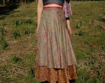 FREE SIZE... Vintage Indian Silk Wrap Skirt... Tons of Gorgeous Fabric.. Beautiful Colors