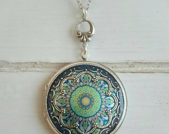 Mandala Vintage style Locket Necklace/silver tone/Anniversary/Bridesmaid gift/ Wedding/Birthday/Sister/Mom/Daughter/Photo Picture/friend.