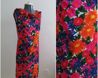 Vintage 1960s Bright Floral Hawaiian Shift Dress - Womens Bust 34 - By Fashions by Loke Ruffle Collar