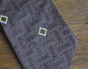 MCM Mid century modern skinny tie in brown with yellow and white pattern 1950s