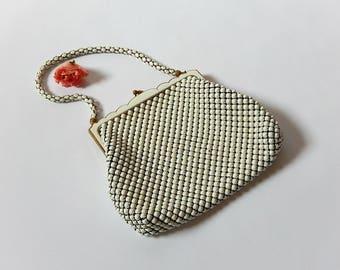 Vintage Whiting Davis White Mesh Purse MCM Style White Enamel Mesh Clutch Purse / Boho Sassy Little White Purse Summer Evening Handbag