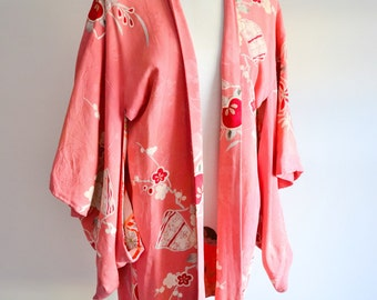 1930s 40s Pink printed & painted pink red rayon haori kimono jacket / 1940s 30s Japanese crepe wrap top