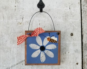 Primitive Country Bee Decor Daisy