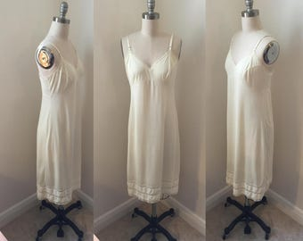 1950s Semi Sheer Off White Slip // Sz. S/M Nylon and Lace