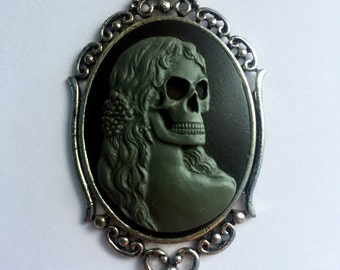 Skull Lady Cameo 30x40 necklace