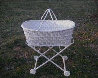 SALE / Vintage Wicker Bassinet / Shabby Chic Nursery / Portable Baby Bassinet / Vintage Crib / Infant Photography Prop / Store Display
