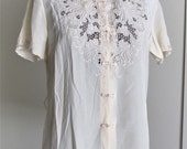 STUNNING Hand Embroidered Pure Chinese Silk Blouse by Da Fu Gui 1960s Size 36 S/M