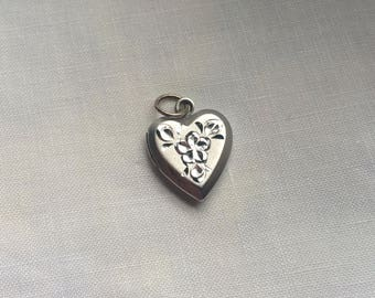 Vintage Heart Locket, Sterling Locket, Sterling Silver Locket, Silver Heart Locket, Etched Sterling Locket, Gift For her, Vintage Locket