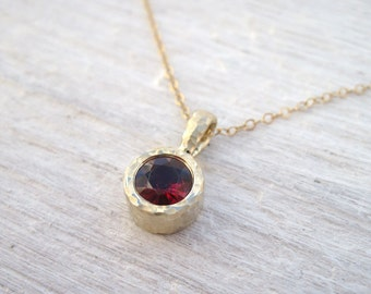 Gold 14k Delicate Link Birthstone Necklace, Hammered Garnet Pendant, Gemstone, Simple , Minimal, Dainty, Valentines gift, Pendant necklace