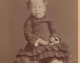 Vintage Little Girl Carte de Visite (CDV) Elise Ahlgren Stockholm, 1800s