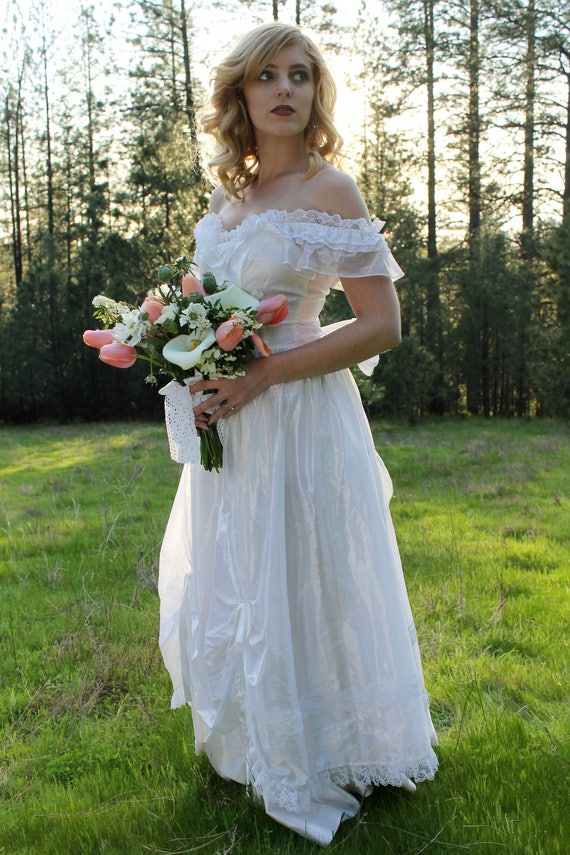 WEDDING BELLS Vintage 1970's Wedding Gown Southern Belle Bridal White