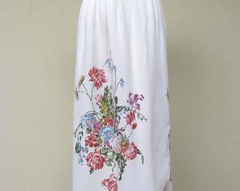 Vintage 1970s Skirt / 70s White Rayon Floral Print Skirt / Small