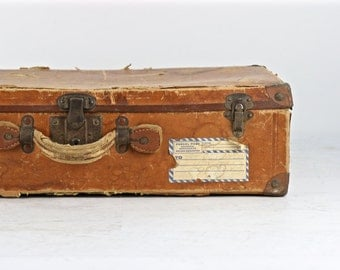 Vintage Suitcase, 1930's Suitcase, Brown Suitcase, Suitcase With Labels, Old Suitcase, Old Luggage, Vintage Luggage, Suitcase